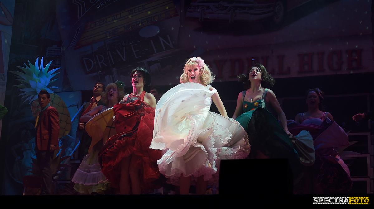 """GREASE: l'emozione della """"Greasemania"""" continua ancora dopo 18 anni al Palapartenope di Napoli"""