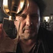 """ENZO AVITABILE VINCE IL GLOBO D'ORO PER LE MUSICHE DEL FILM """"INDIVISIBILI"""""""
