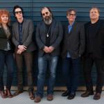 Steve-Earle-And-The-Dukes-band-photo1