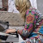 "Stefania Tallini_""New""Trio_Piazza Santa Margherita_SpectraFoto_01"